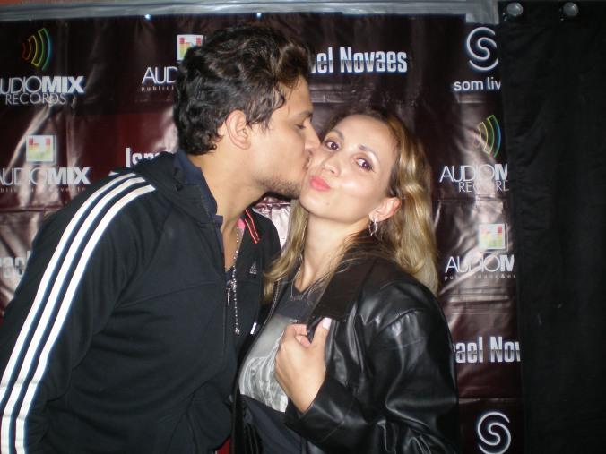 ♪É que um beijo pode fazer a diferença..